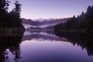 jezioro, góry, ultra violet, pantone 2018